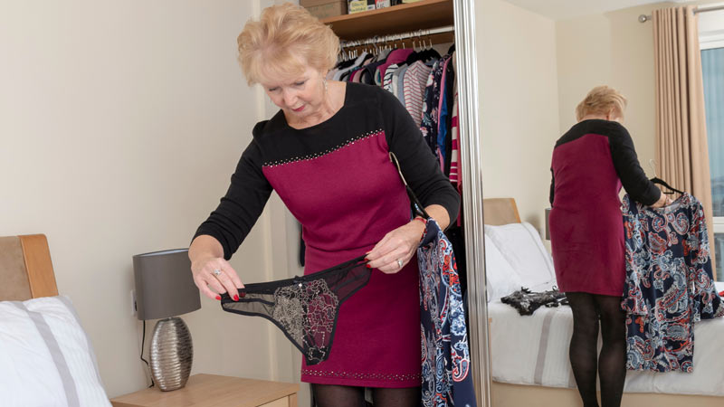 How Can Women Over 50 Plan A Perfect Wardrobe for An Intimate Moment