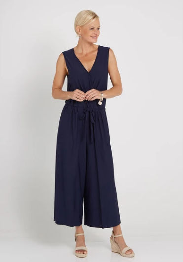Menopause Clothing Options For Women Over 50